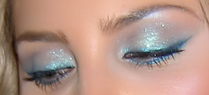 mermaid eye shadow teal green teal blue eye makeup sparkly iamamermaid com